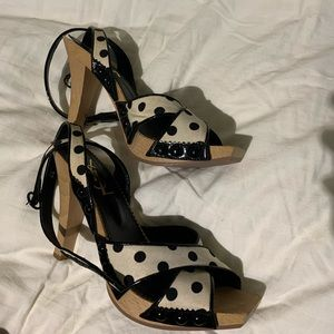 Yves Saint-Laurent High heels